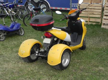 A trike like I have never seen.
