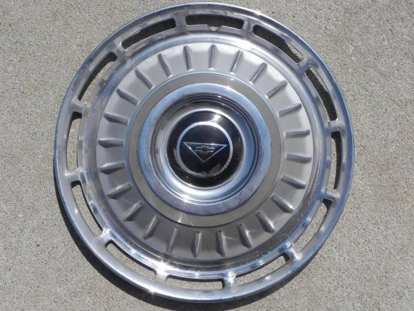 1962 500 or 700 Full Wheel Cover